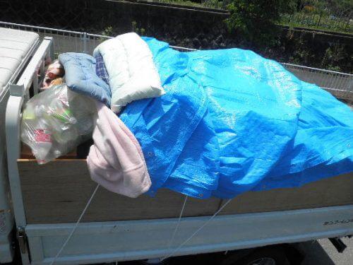 八尾市のゴミと不用品回収でトラックが満載