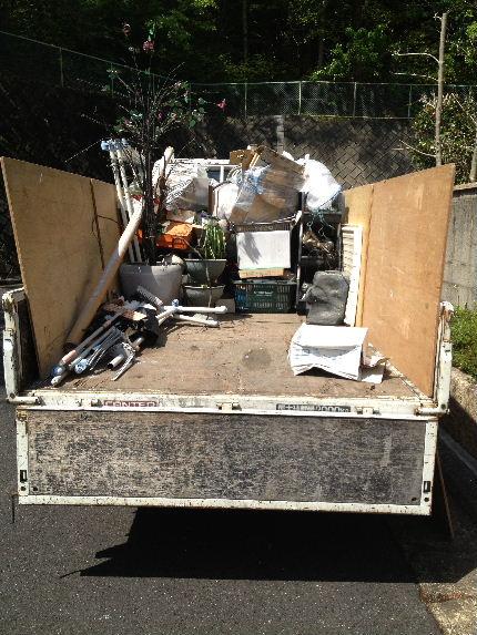 トラック荷台
