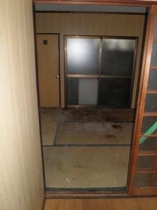 都島区ゴミ屋敷のリビングである和室