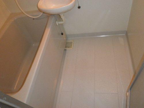 諦めていたお風呂の汚れを落とすクリーニング