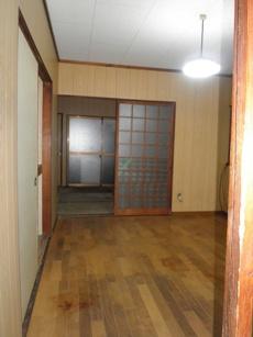 都島区のゴミ屋敷を片付け、クリーニングによりキレイになる部屋