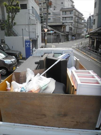 汚部屋室内のゴミや不用品の回収