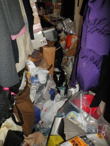 守口市某所の汚部屋より不用品回収と特殊清掃の依頼