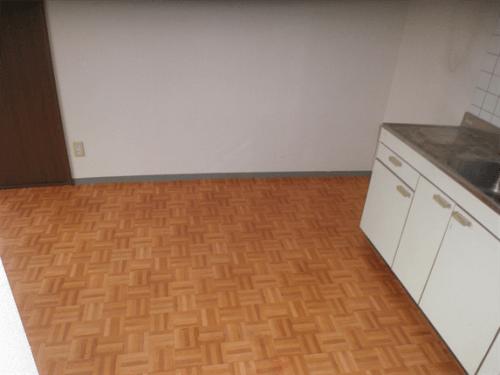 まるでウソの様に片付いたゴミ屋敷のキッチンスペース