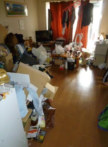 要介護者が住む部屋の片付けとハウスクリーニングサービス