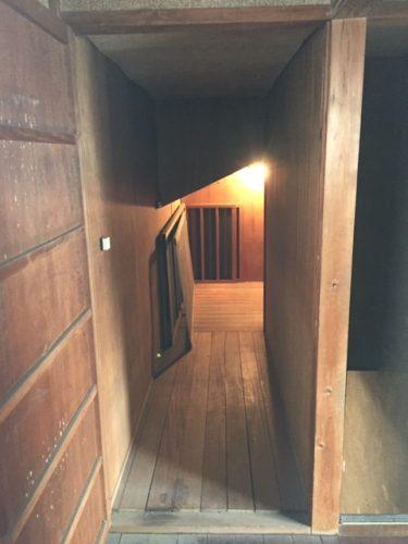 遺品整理後の2階廊下の奥に隠れた納戸