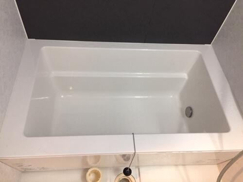 全ての汚れが除去されたバスルーム