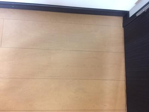 床の汚れを洗浄・除菌 トリプルエス 大阪