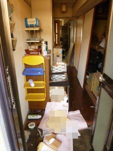 引っ越しを控えたゴミ屋敷に溢れる不用品